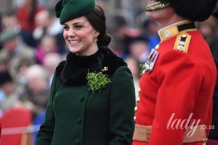 В пальто с мехом и на каблуках: герцогиня Кембриджская посетила праздничный парад
