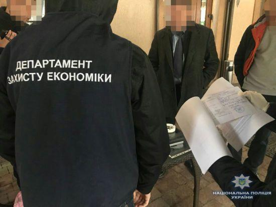 У Львові голова райадміністрації попався на хабарі в понад 100 тис. грн
