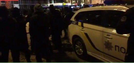 Прихильники Саакашвілі заявляють про затримання активістів, які хотіли встановити сцену біля Майдану