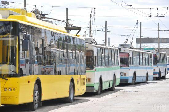 9 травня у Києві змінять маршрут руху тролейбусу та автобусу