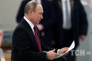 """Путин уверят, что не будет """"сидеть у власти до ста лет"""""""