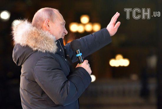 Президент Сербії першим привітав Путіна з перемогою на виборах
