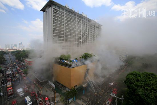 На Філіппінах горів готель: щонайменше четверо туристів загинуло