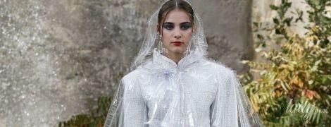 Одежда и аксессуары из пластика: тенденции моды сезона весна-лето 2018