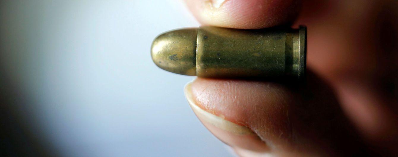 Порошенко подписал закон, который запрещает проносить оружие в Раду и другие властные здания