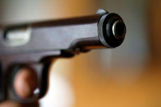В США 13-летнюю девочку застрелил ее 9-летний брат