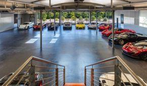 """""""Умный"""" гараж с суперкарами выставили на продажу в Калифорнии"""