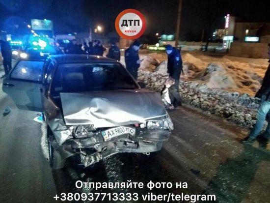 У Харкові п'яний водій із жінкою та 2-річною дитиною у салоні розбив п'ять машин, тікаючи від поліції