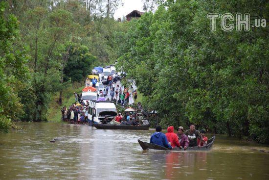 Смертельна стихія: на Мадагаскарі вода затопила будинки й дороги