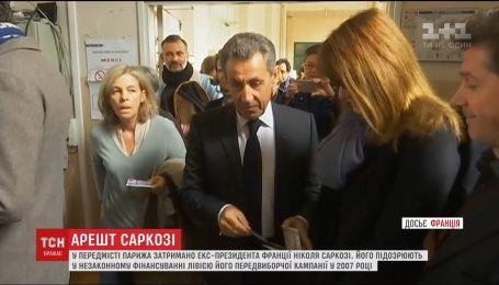 Во Франции полиция задержала бывшего президента Саркози