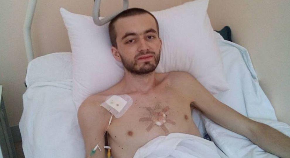 Врятуйте Сашу: неточні діагнози і лікування призвели до 4 стадії раку