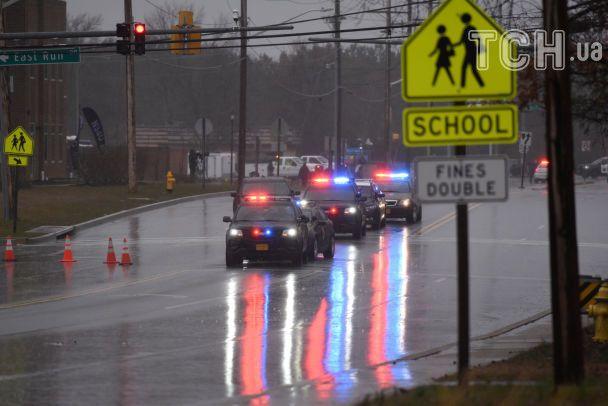 В США школьный охранник смертельно ранил ученика, который устроил стрельбу по детям