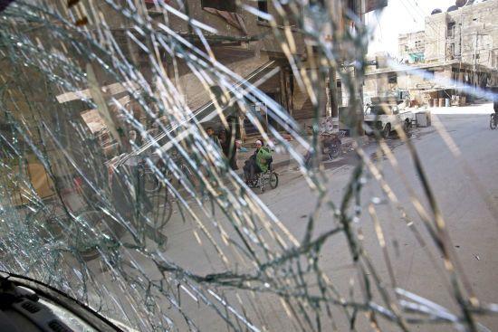 Внаслідок потужного обстрілу ринку у Дамаску загинули понад 30 людей