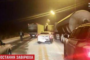 Мокрый снег спровоцировал 10-километровый затор на трассе Киев-Чоп
