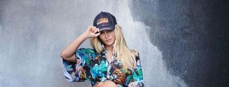Секси-красотка Бритни Спирс в джинсовых трусах показала результаты похудения в новой фотосессии