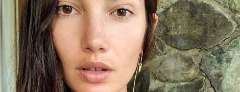"""В купальнике и без макияжа: """"ангел"""" Лили Олдридж поделилась снимками с отдыха"""