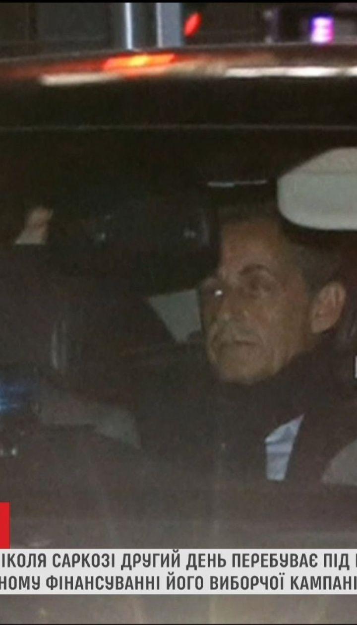 Экс-президента Саркози освободили из-под ареста после допроса