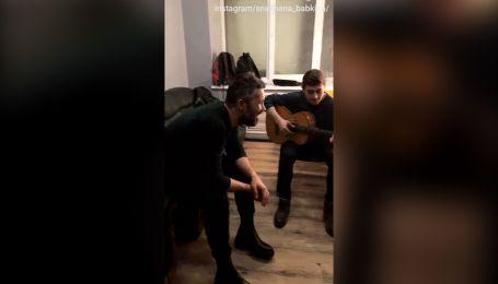 "Бабкин и участники ""Голос країни"" устроили квартирник на его концерте"