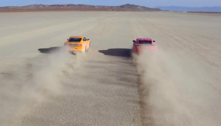 Гонка суперкаров: кто быстрее - Ford Mustang или Chevrolet Camaro?