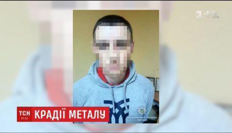 Полиция разыскала подозреваемых в похищении бронзового бюста Леси Украинки