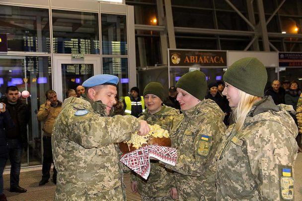 На Батьківщину повернулись українці після року миротворчої місії в Конго