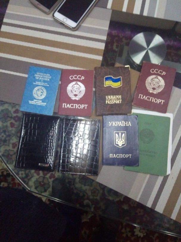 На Миколаївщині викрили банду, яка близько 10 років підробляла українські паспорти