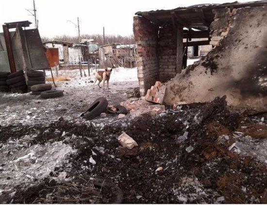 Наслідки обстрілу Авдіївки. У штабі АТО показали фото розтрощених будинків