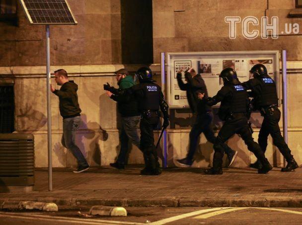 Сторонники независимости Каталонии устроили беспорядки после задержания Пучдемона