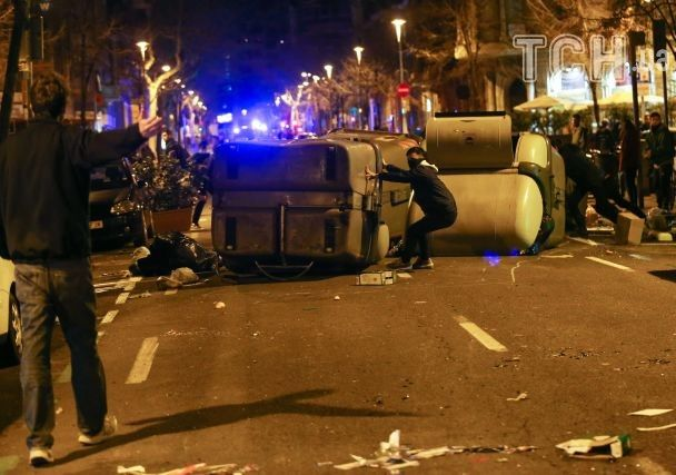 Тысячи людей вБарселоне протестуют против задержания Пучдемона