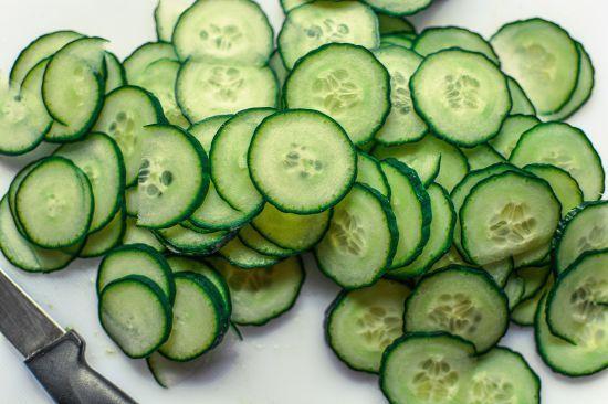 Їсти на здоров'я: ТСН перевірила ранні овочі з базарів і супермаркетів на вміст нітратів