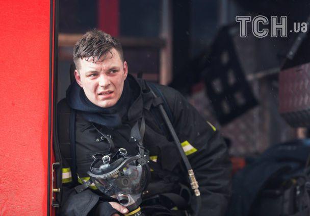 Розпач й збентеження. Reuters опублікував фото з місця пожежі в Кемерові