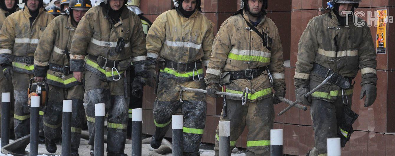 Почти полтысячи ТРЦ без лицензий и 140 тысяч нарушений. В РФ проводят проверки после пожара в Кемерово