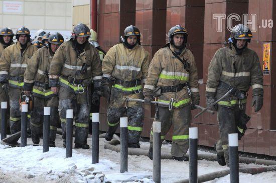 Майже півтисячі ТРЦ без ліцензій та 140 тисяч порушень. В РФ проводять перевірки після пожежі в Кемерові