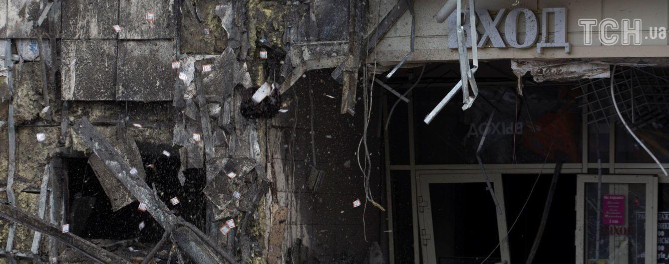 """В российском Кемерово начали демонтировать ТРЦ """"Зимняя вишня"""", где при пожаре погибли 60 человек"""