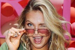 Сексуальная Роми Стридж топлес позировала в новом фотосете