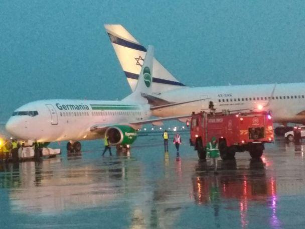 В израильском аэропорту столкнулись два самолета