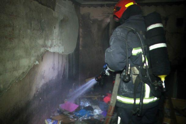 У Хмельницькому в гуртожитку коледжу серед ночі спалахнула пожежа