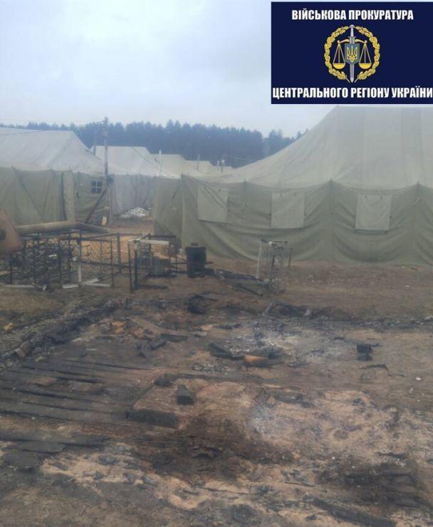 Згоріло вщент: наЧернігівщині сталася пожежа у військовій частині. З'явилися фото