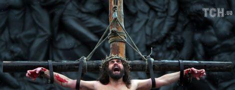 В Лондоне на Трафальгарской площади зрелищно воссоздали события Страстной недели