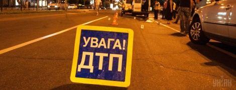 В Киеве Ravon сбил пьяного пешехода на восьмиполосном проспекте Победы