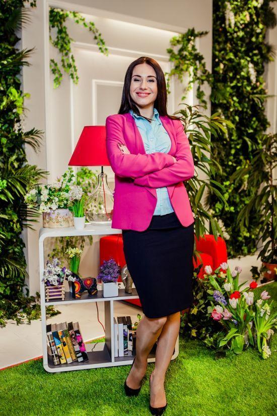 "Зірка серіалу ""Школа"" Яніна Андреєва вперше показала свою доньку"