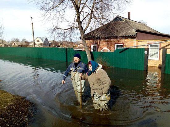 Охтирка та Чернігів залишаються підтопленими, але велика вода поступово відступає