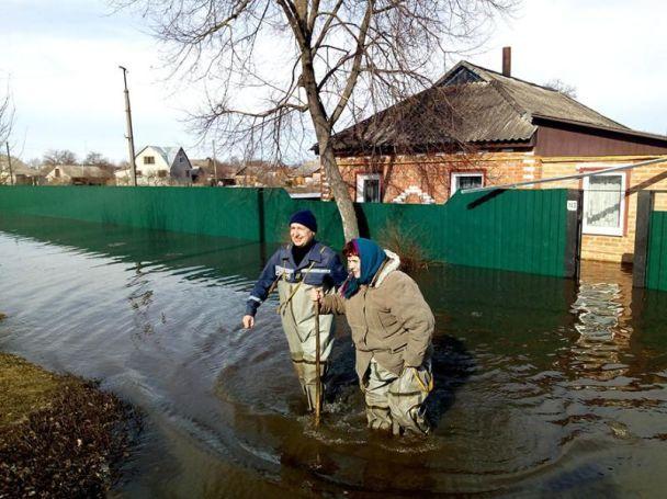 ВЧернигове иСумской области подтоплены неменее 400 домов