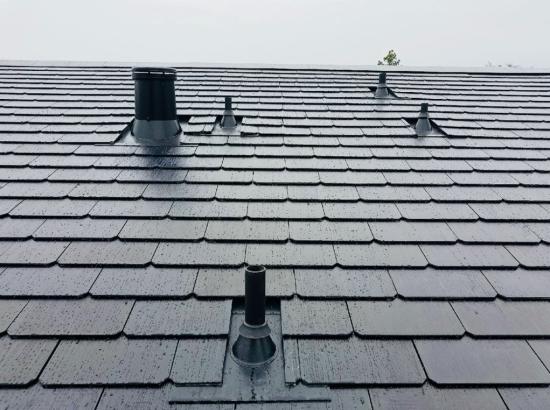 """У США почав виробляти енергію один з перших """"сонячних дахів"""" від Tesla"""