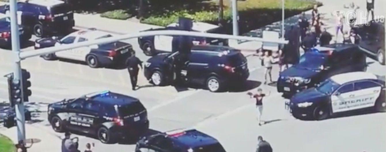 Одним из раненых в стрельбе в штаб-квартире Youtube оказался бойфренд женщины-стрелка - СМИ