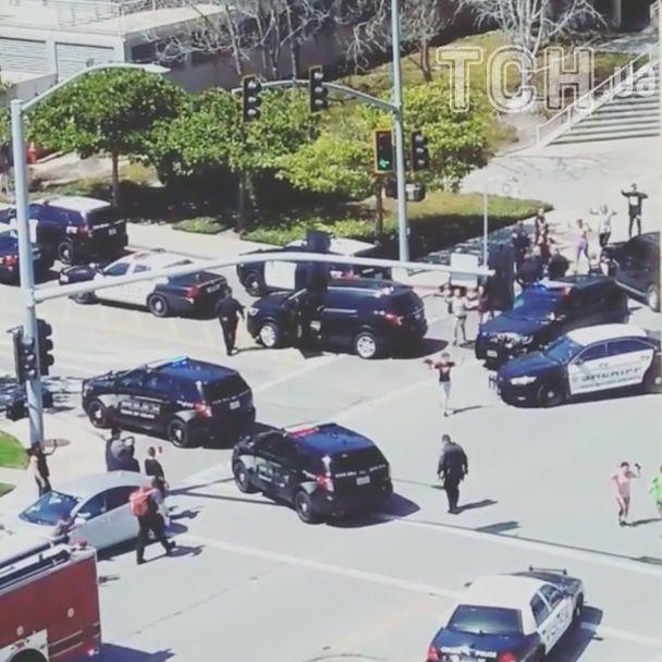 Стрельбу в штаб-квартире Youtube устроила женщина, она погибла