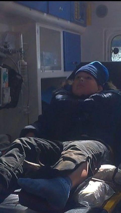На Ровенщине парень пробил ногу арматурой и застрял