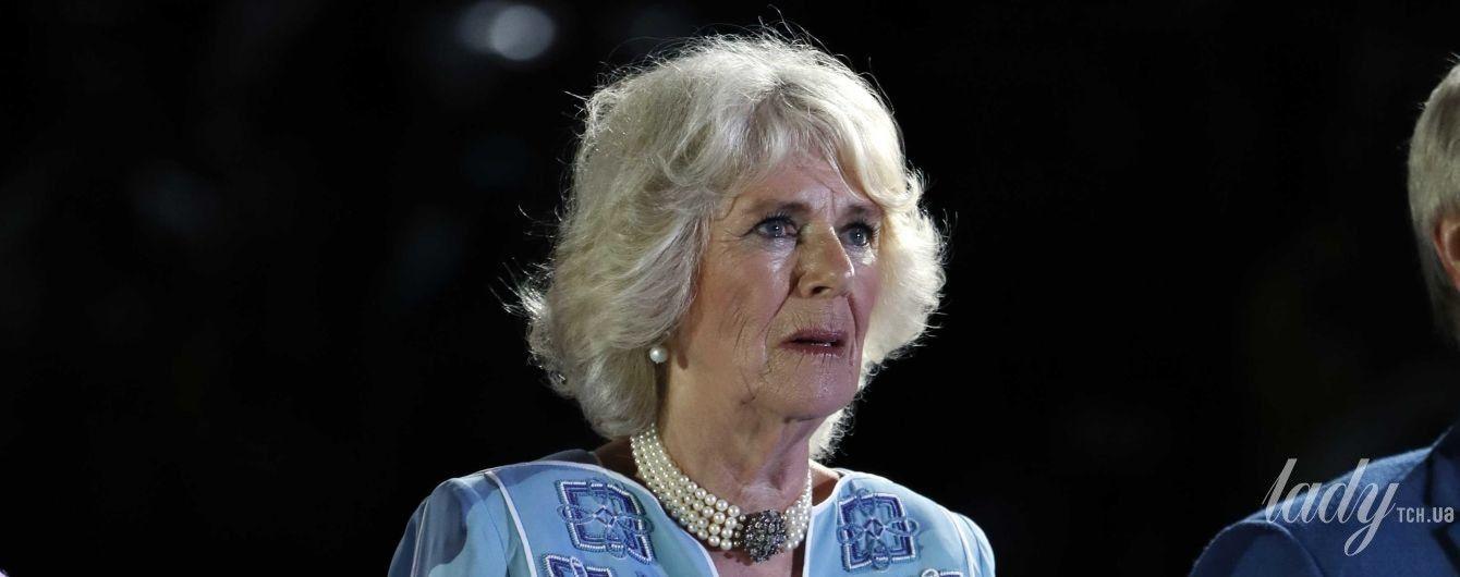 В голубом платье и на шпильках: герцогиня Корнуольская Камилла на церемонии открытия Игр Содружества