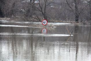 Рятувальники попереджають про паводки та селеві потоки на Західній Україні