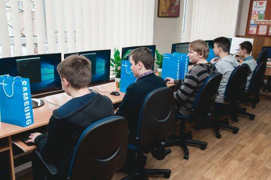 Українська школа майбутнього: Samsung продовжує освітній проект